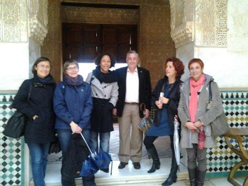 Los profesores del programa Comenius visitan la Alhambra acompañados por profesores del I.E.S. Aricel.
